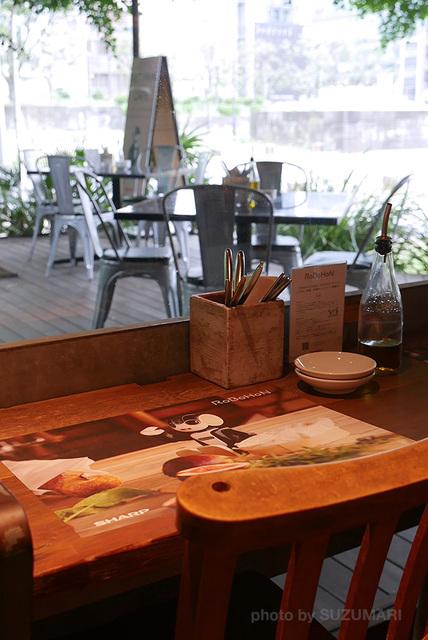 RoBoHoN_Cafe_14.jpg